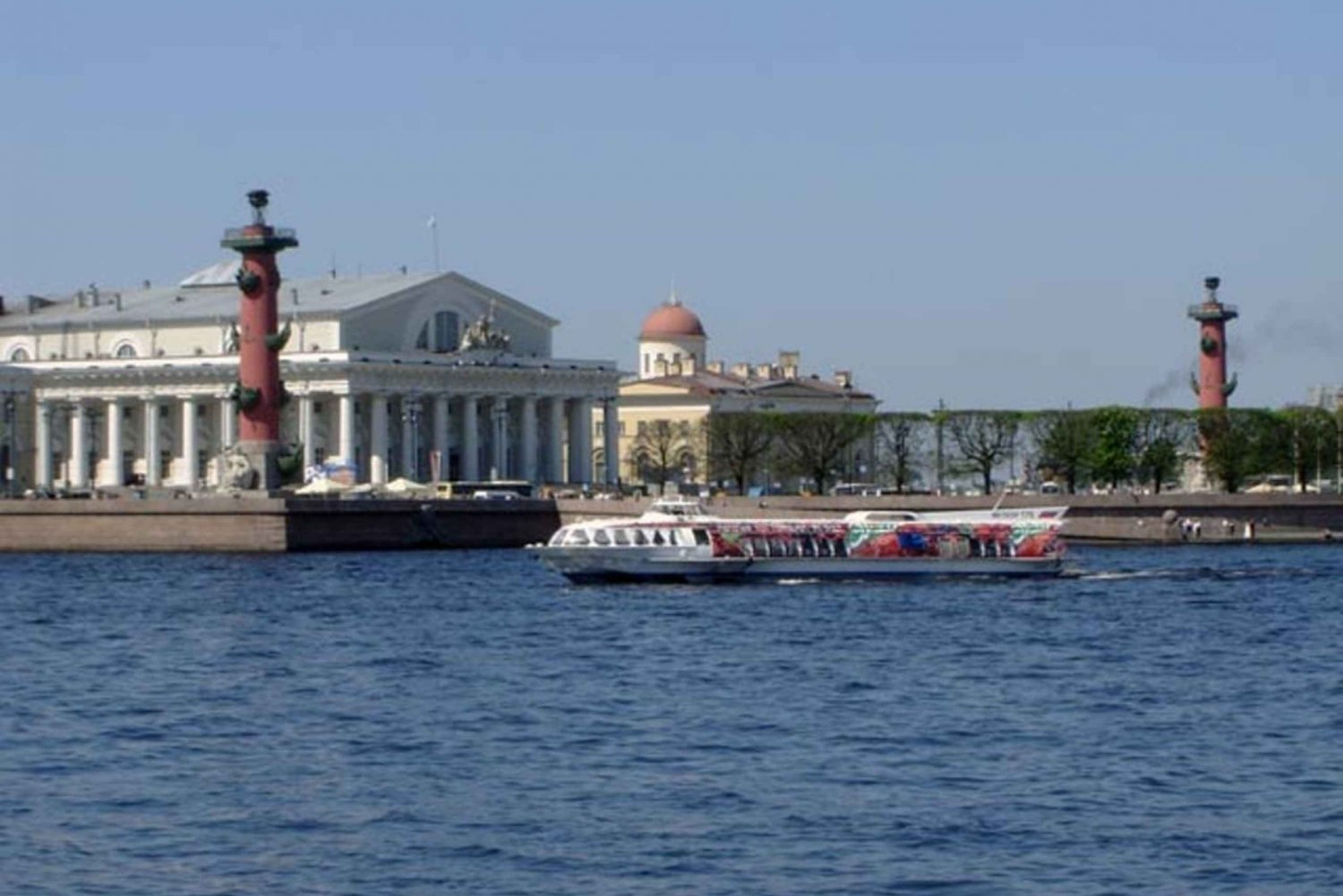 St Petersburg Boat Trip and Walking Tour