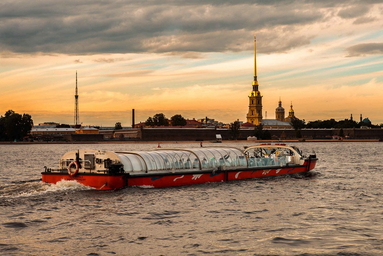 St. Petersburg: Drawbridges Night Cruise