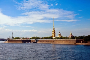 St. Petersburg: Guided Walk, Faberge Museum and Boat Tour