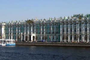 St. Petersburg: Hermitage & Metro Skip-The-Line Private Tour