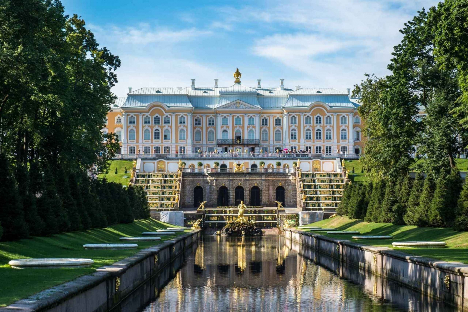 St. Petersburg Must-See Sights and Peterhof Private Day Tour
