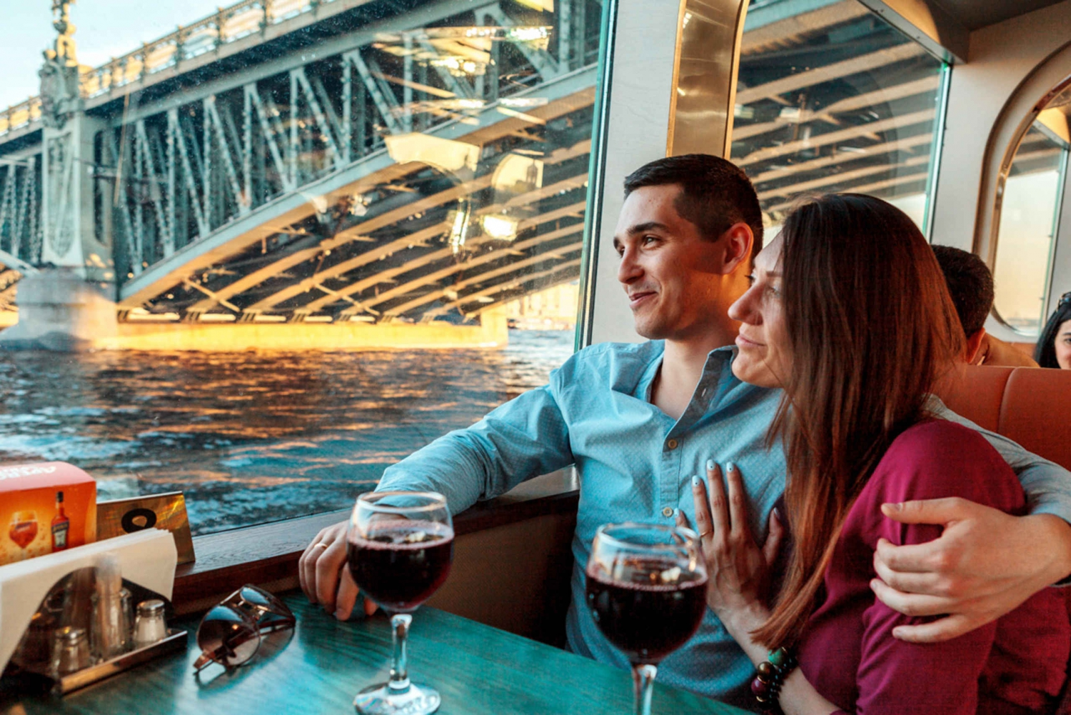 St. Petersburg: River Cruise with Live Music and Champagne