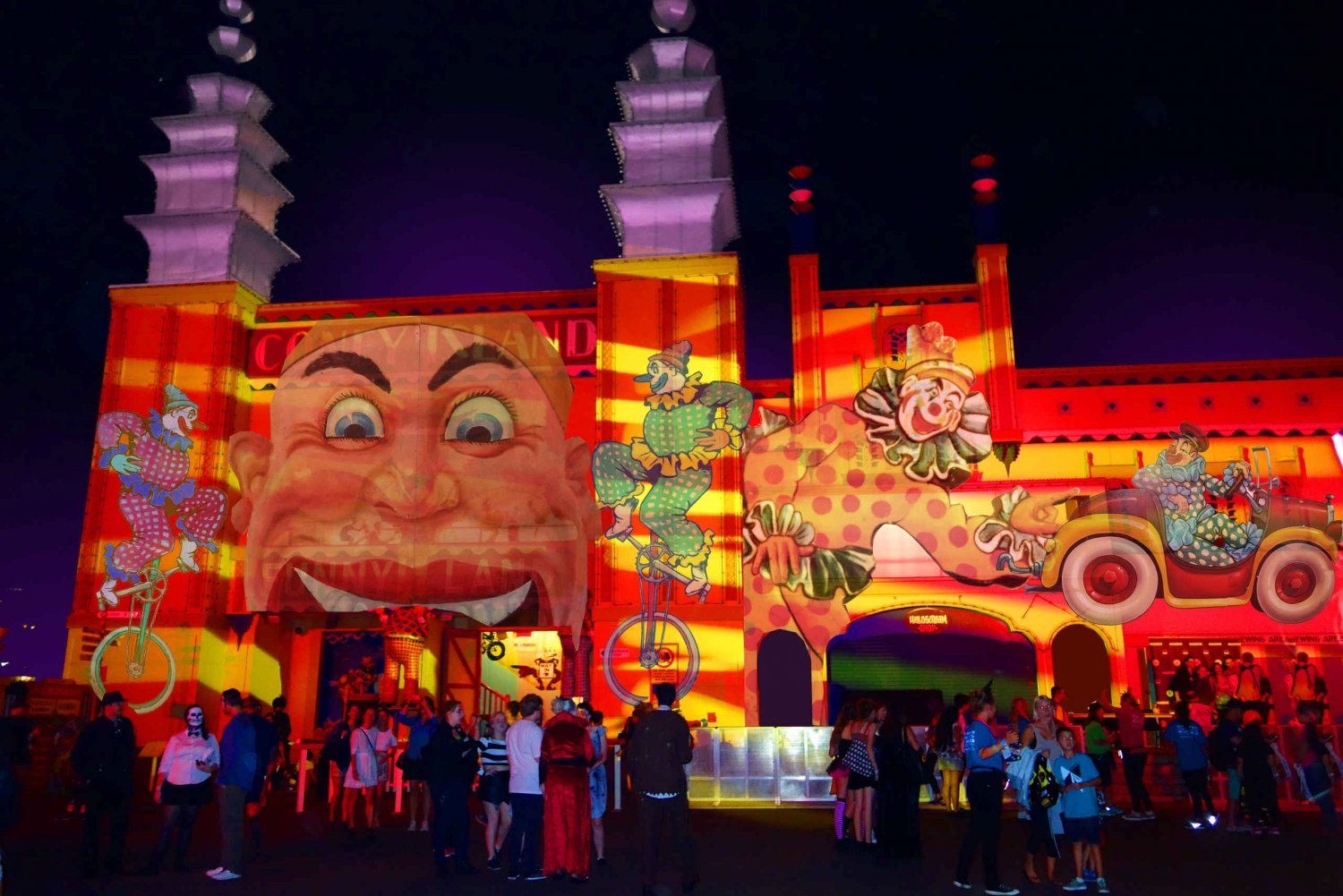 Luna Park: Ride and Dine Ticket for the Vivid Light Festival