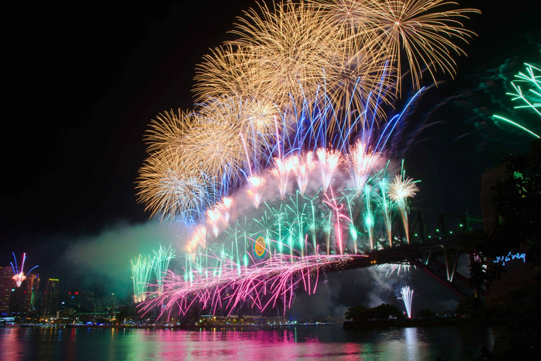 Sydney Harbor: New Years Eve Dinner Cruise