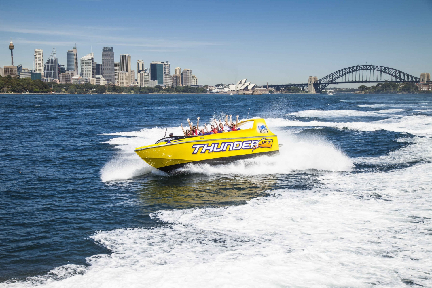 Sydney Harbour: Jet Boat Ride and Sightseeing Bus Combo