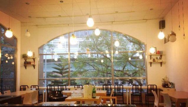 5 Senses Cafe