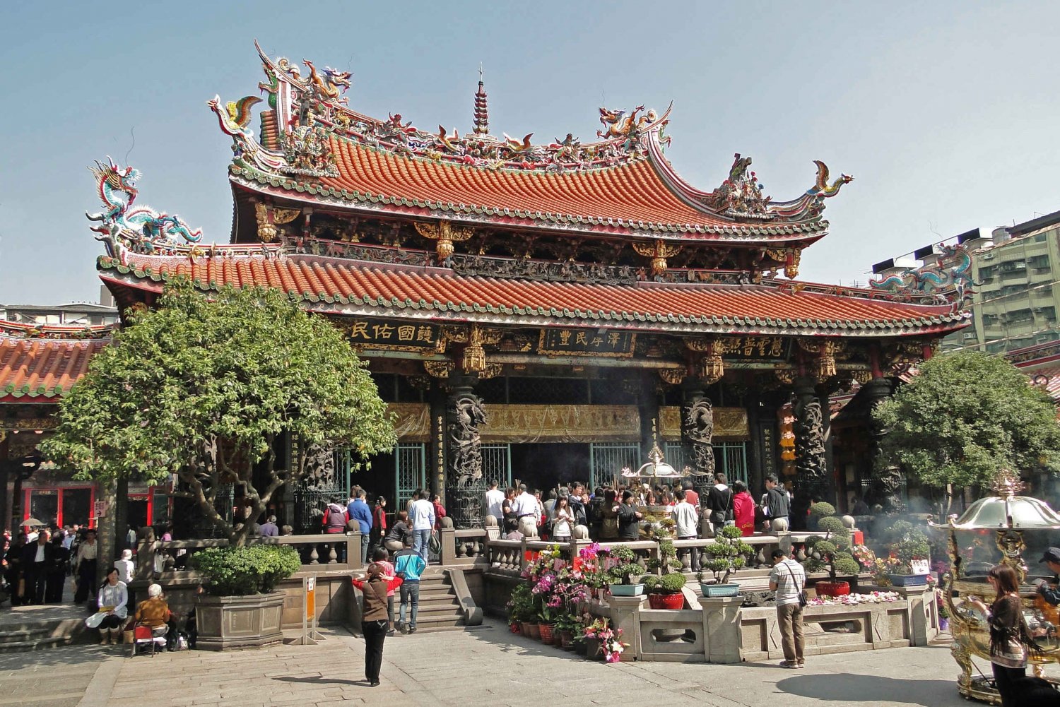 Longshan Temple and Bopiliao Historic Walking Tour