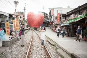 Pingxi Sky Lantern Experience & Old Street Walk Tour