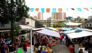 Simple Market