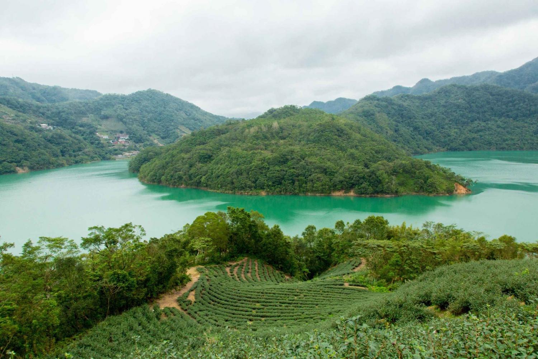 Thousand Island Lake and Pinglin Tea Plantation from Taipei