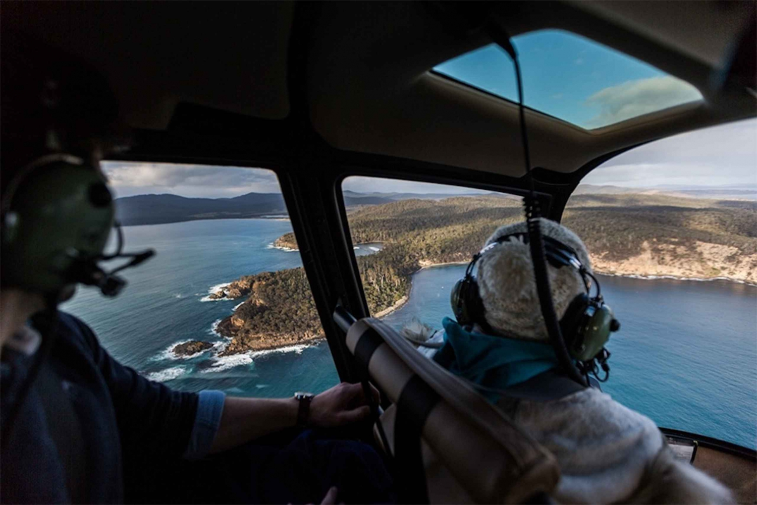From Hobart: Bruny Island Scenic Flight with Lunch