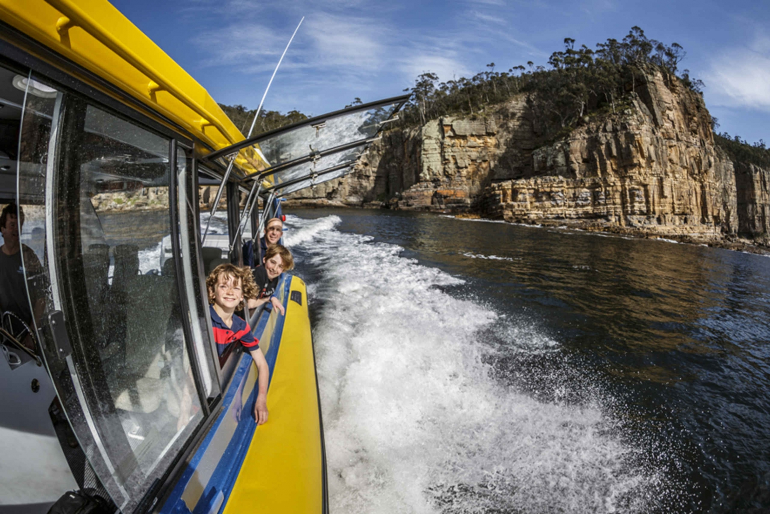 Hobart: 2.5-hour Iron Pot Lighthouse Cruise