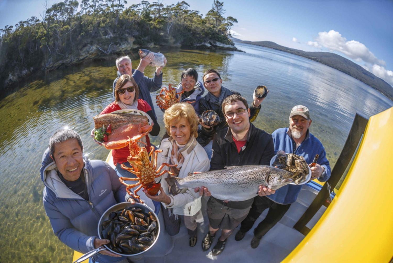 Hobart: Full-Day Tasmania Gourmet Seafood Cruise