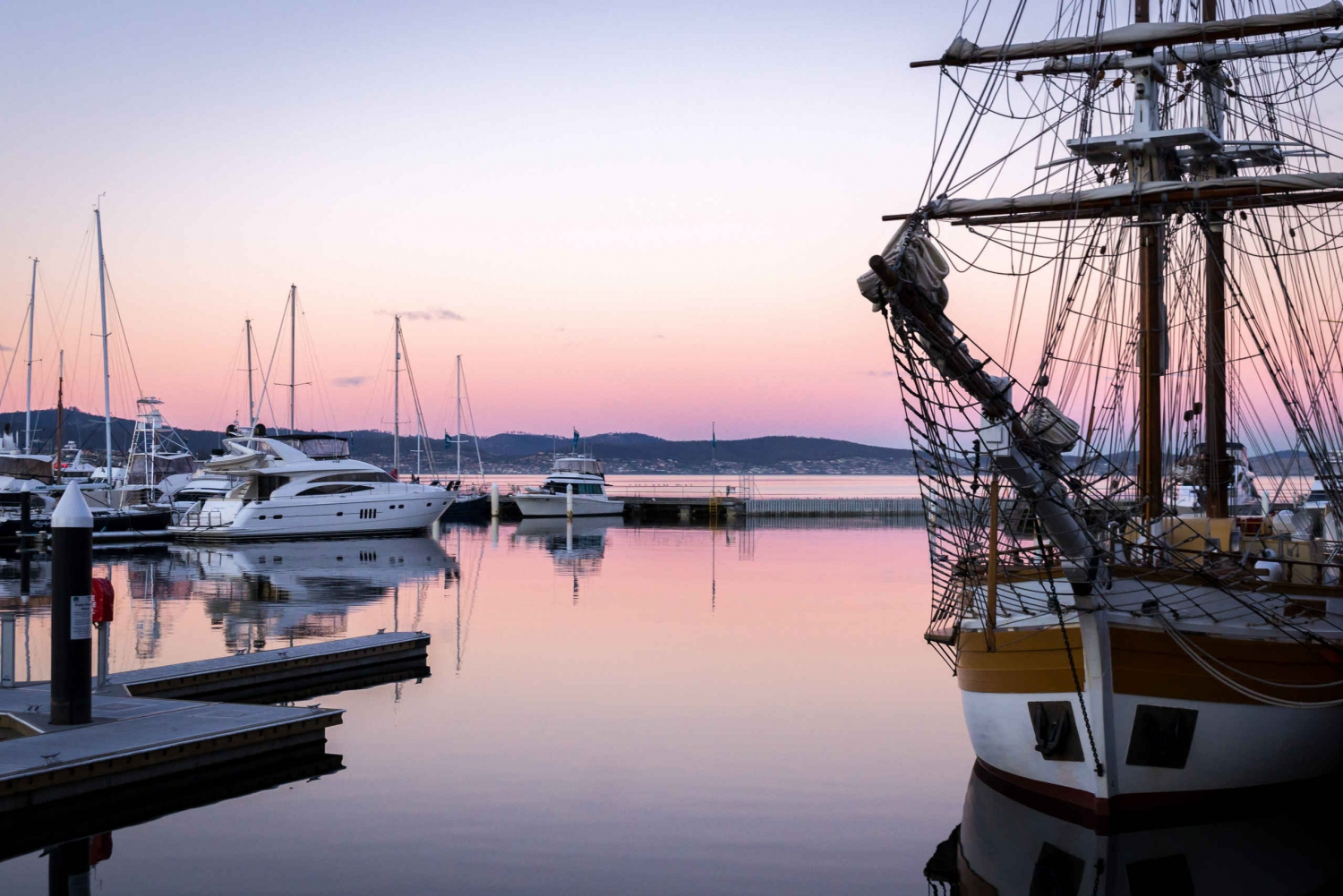 Hobart History, People and Places: 2-Hour City Walk