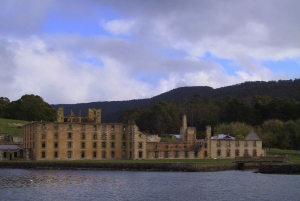 Port Arthur: Tour with Isle of the Dead Cruise