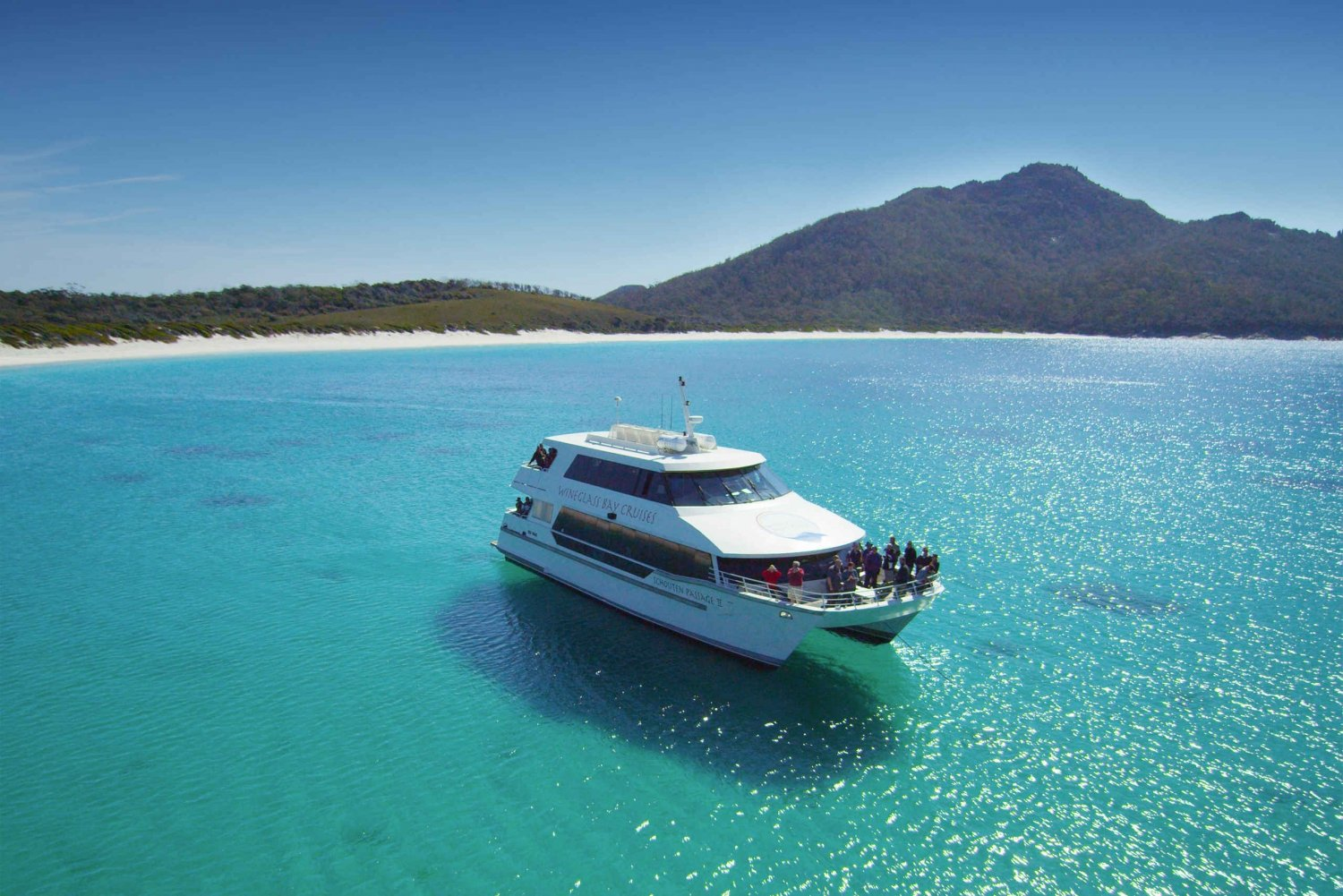 Wineglass Bay Cruise with Lunch from Coles Bay