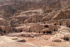 From Tel Aviv: Petra 1-Day Guided Tour with Transfers