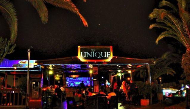 Unique Bar