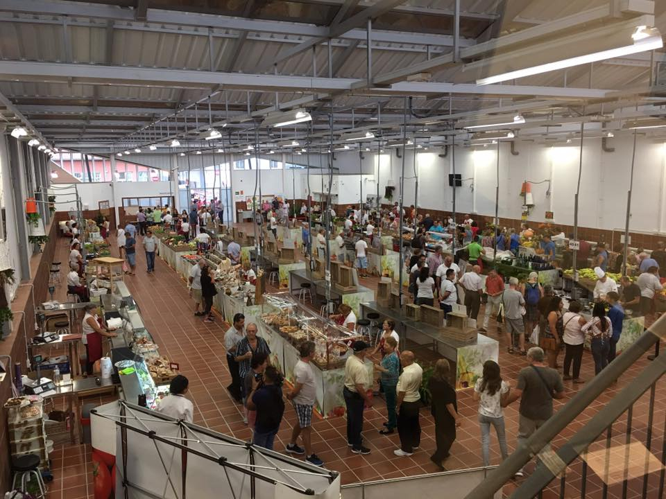 Agricultural Market every Saturday and Sunday in Valle San Lorenzo