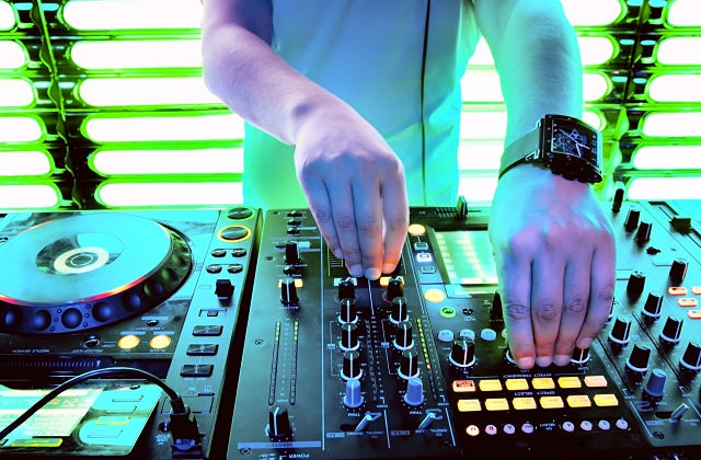 DJ SET!