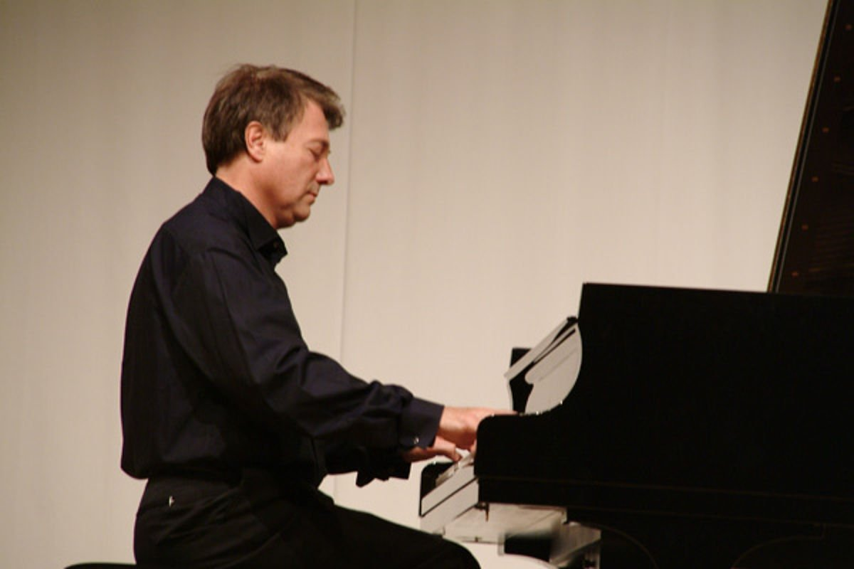 Piano Concert with Valerij Petasch