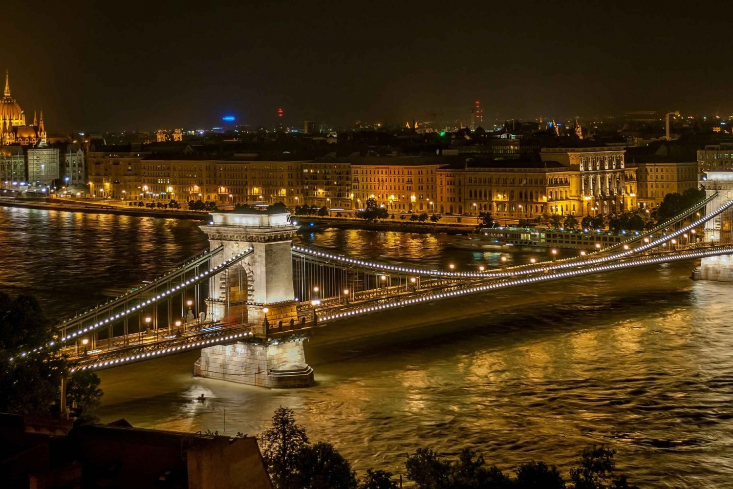 Full Day Private Tour of Budapest and Gyor from Vienna