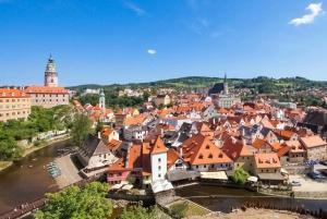 Sightseeing Transfer to Prague via Cesky Krumlov