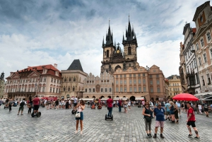 Vienna: 1-Day Trip to Prague Private Guided Tour