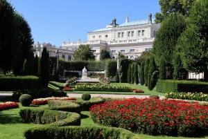 Vienna: Empress Sisi Guided Walking Tour