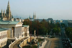Vienna: Private Flexible Tour by Luxury Van/Limousine