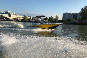 Vienna: Private Sightseeing Boat Cruise on the Danube