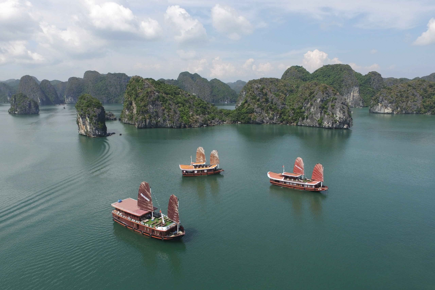2-Day Traditional Cruise to Lan Ha Bay & Cat Ba Island