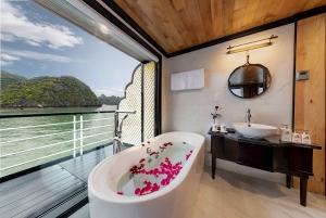 3 Day Ha Long - Lan Ha Bay 5 Star Cruise