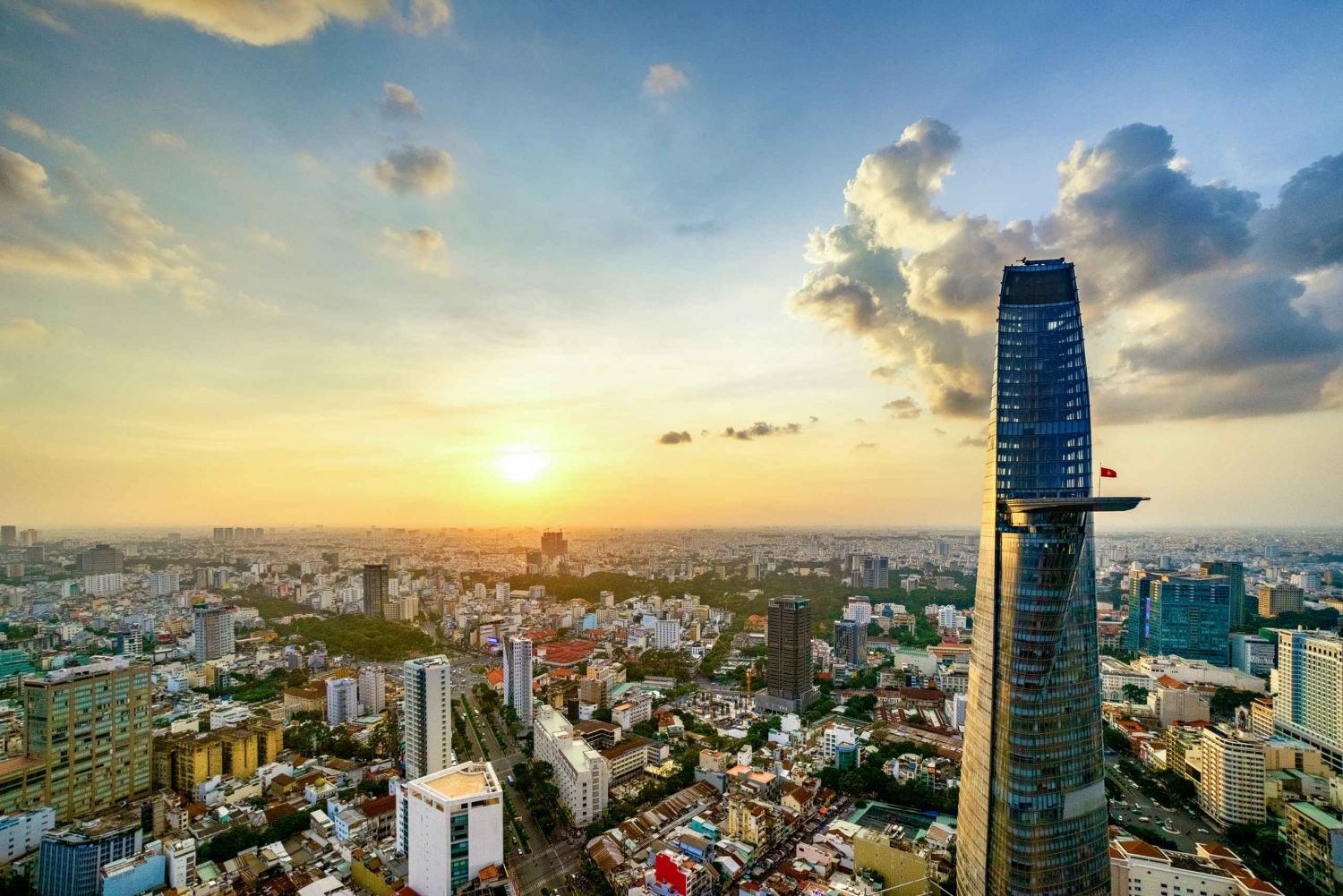 Bitexco Financial Tower: Saigon Sky Deck - Fast Track Ticket