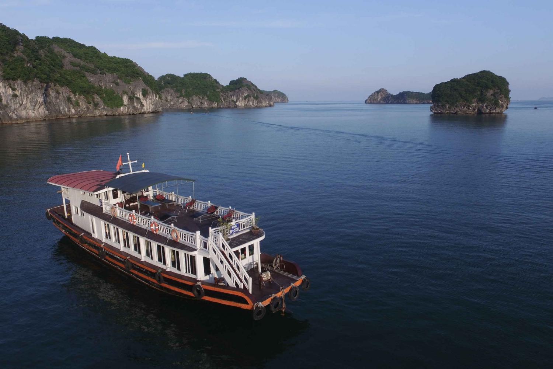 Cat Ba Island: Three-Day Tour from Hanoi
