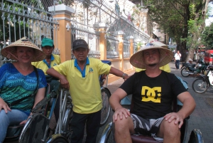 Customized Ho Chi Minh City Experience on Cyclo with Driver