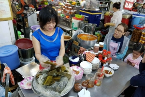 Da Nang: 3.5-Hour Food Tour by Motorbike with Driver