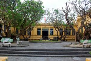Da Nang - Half-Day Museums and Bridges Tour