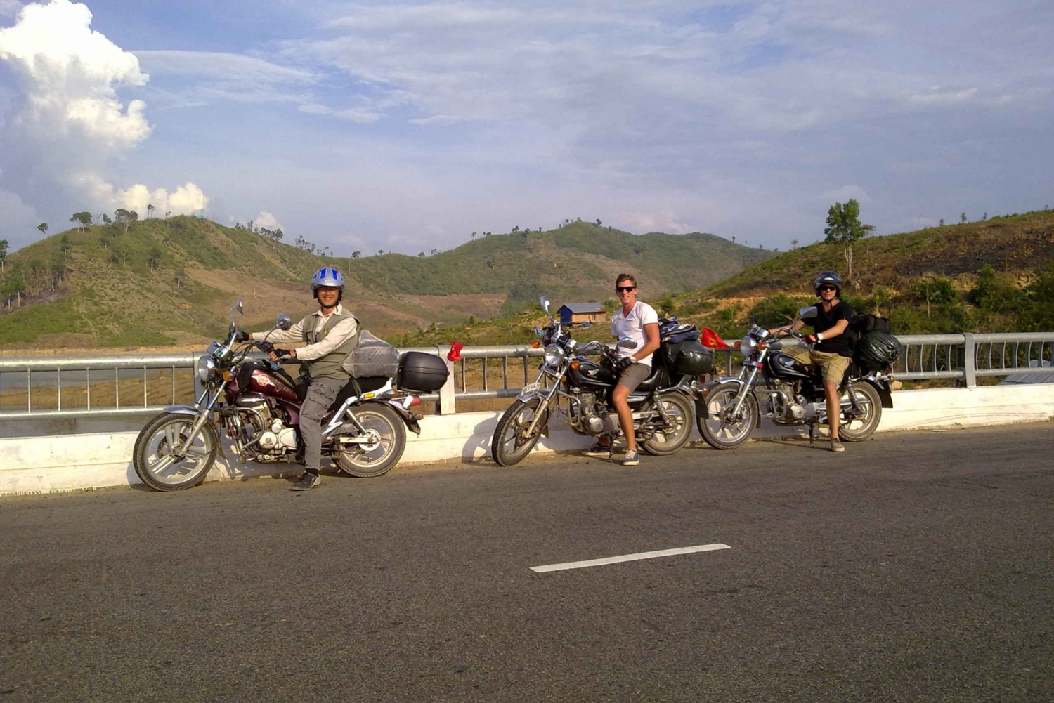 Dalat City and Silk Village: Full-Day Easy Rider Tour