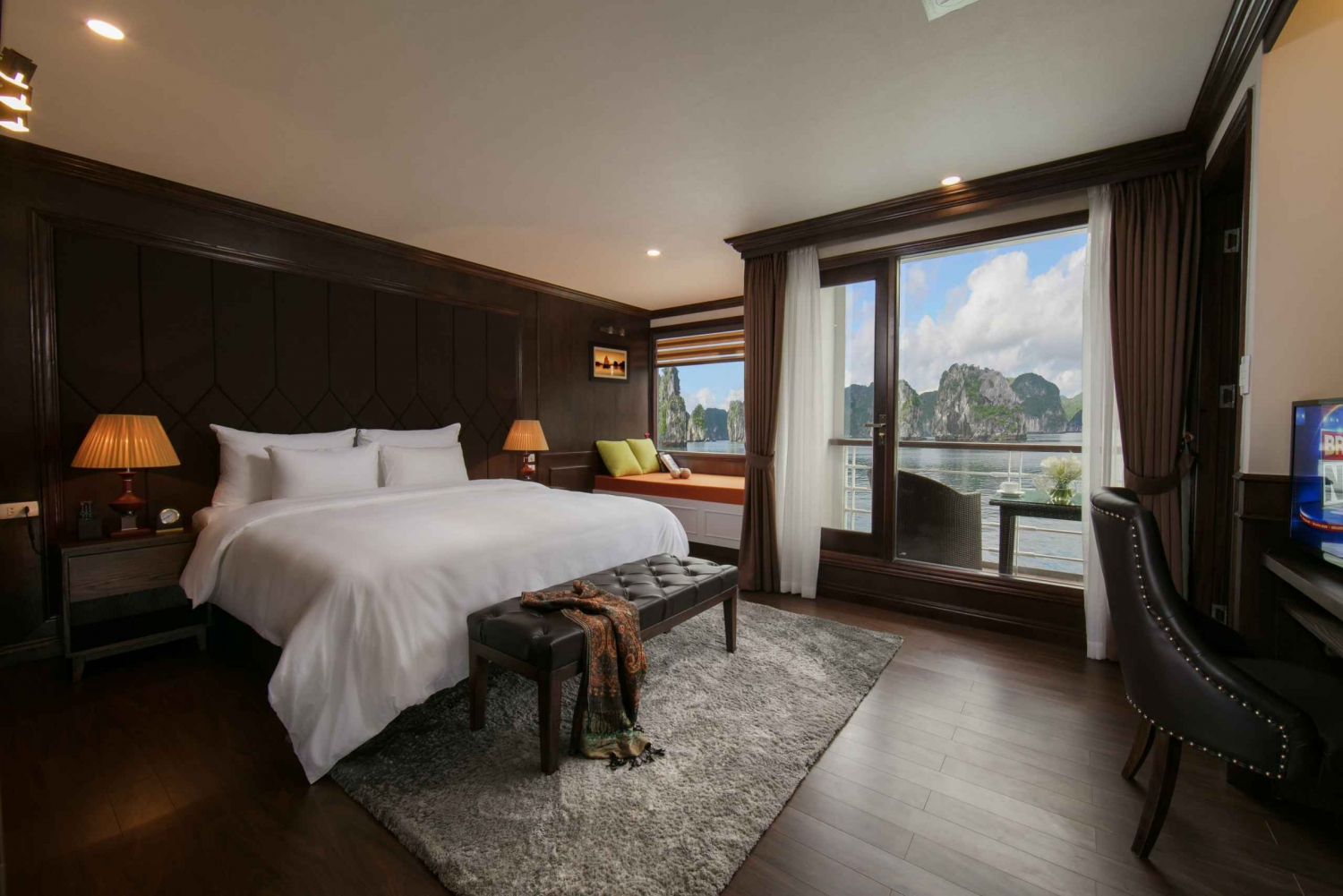 Explore Halong & Cat Ba with 3-Day Mon Chéri 5-Star Cruise