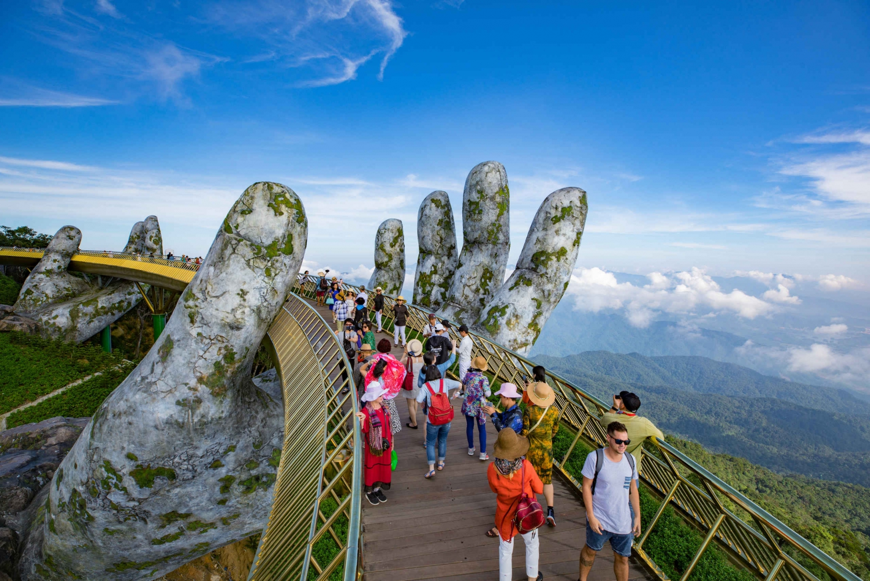From Da Nang: Bà Nà Hill Station and Entertainment Paradise