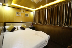 From Hanoi: 2-Day Ha Long Bay Cruise with Activities