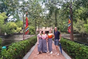From Hanoi: Full-Day Hoa Lu and Tam Coc Boat Tour