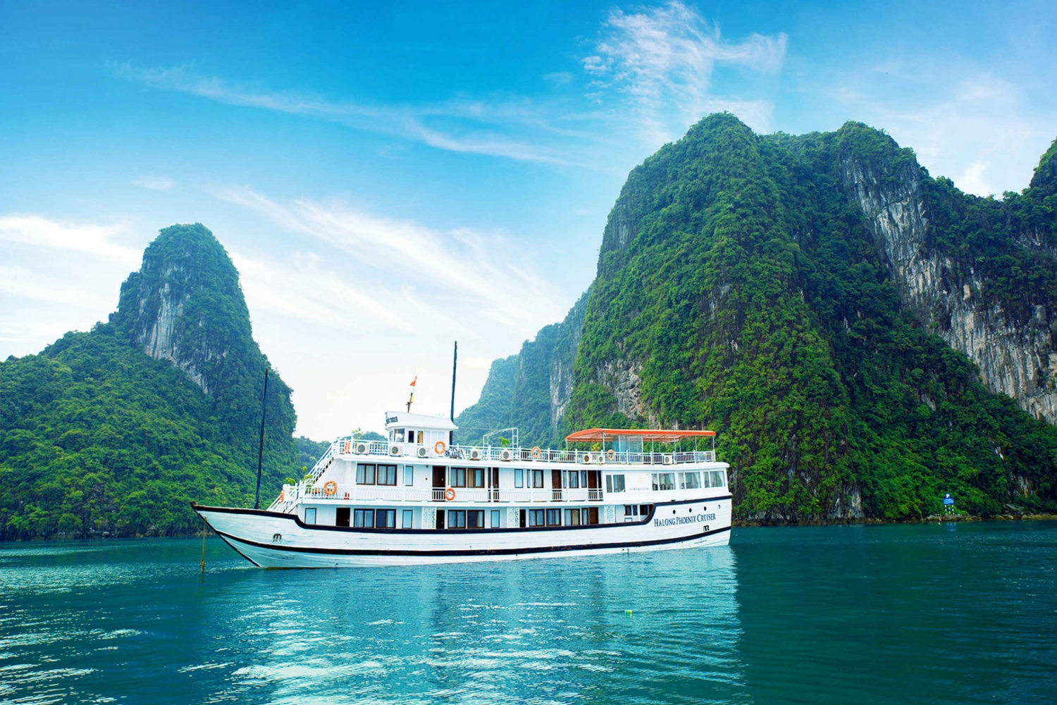 From Hanoi: Halong Explorer 3-Day 4-Star Cruise