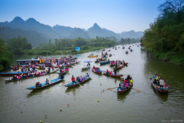From Hanoi: Perfume Pagoda Full-Day Tour