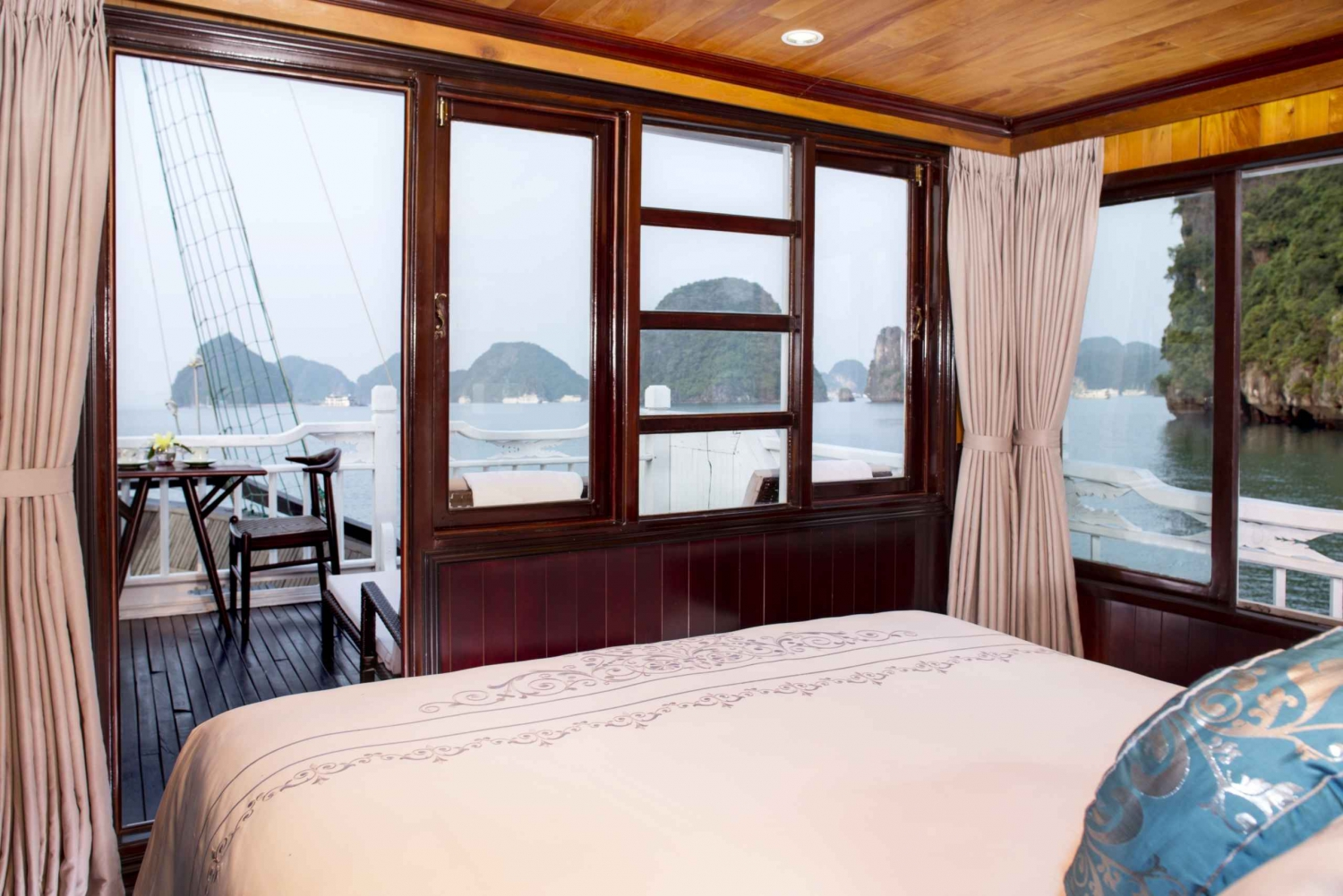 Halong Bay: Amazing 3-Day 2-Night with Aphrodite Cruise