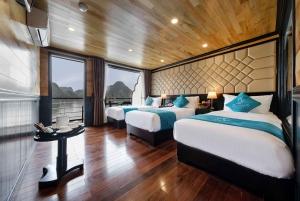 Hanoi: 2-Day 5-Star Lan Ha Bay Cruise with Transfer