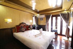 Hanoi: 2-Day Bai Tu Long and Vung Vieng Village Cruise