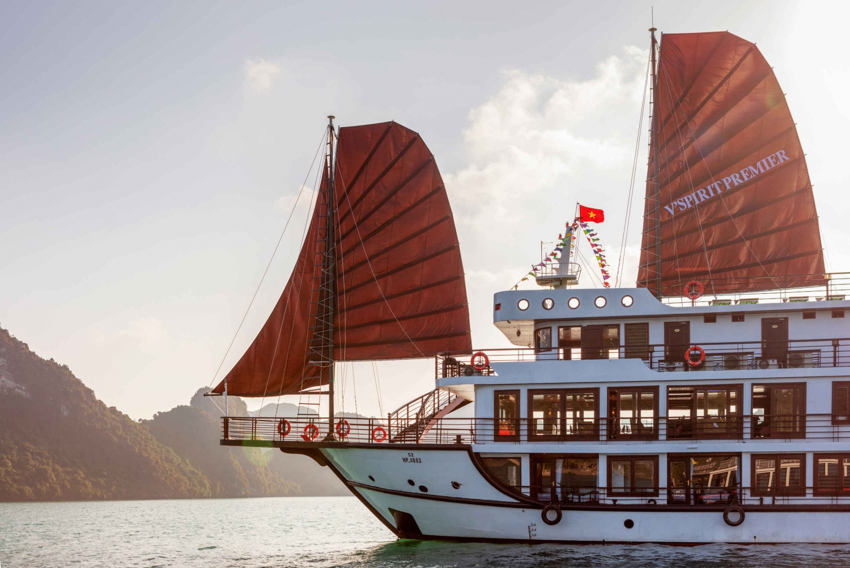 Hanoi: 2-Day Cruise to Lan Ha Bay