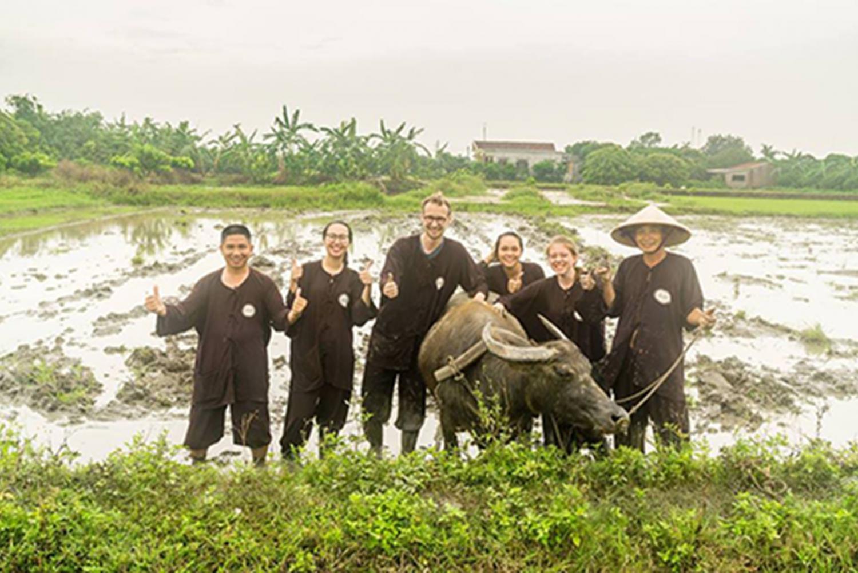 Hanoi: 2-Day Ha Long and Vietnamese Farming Tour